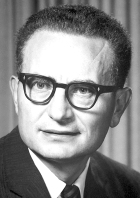 Paul Samuelson (1915–2009), doyen of MIT economics